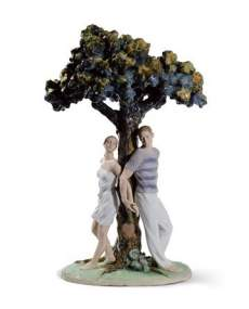 Lladro figurines 01008580-The Three of Love